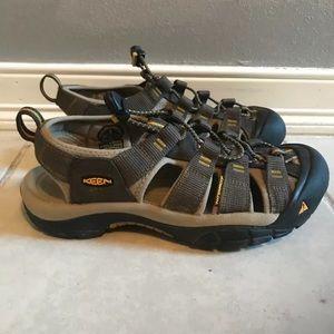 Keen Waterproof Newport Raven Sport Sandals Sz 8